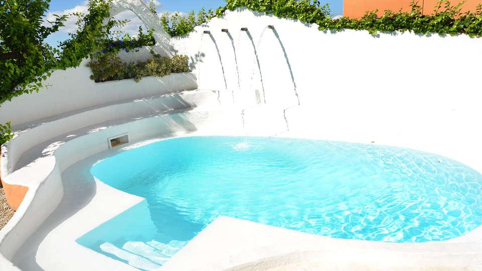 Hotel Rural Sierra Tejeda - EDIT_pool1.jpg