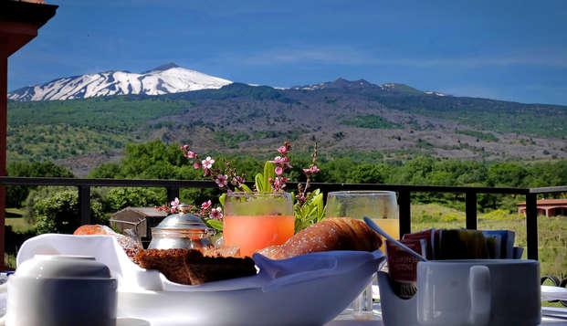 Notte sull'Etna in un esclusivo resort 4*