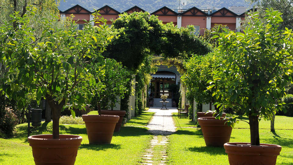 Iseolago Hotel - Edit_Entrance.jpg