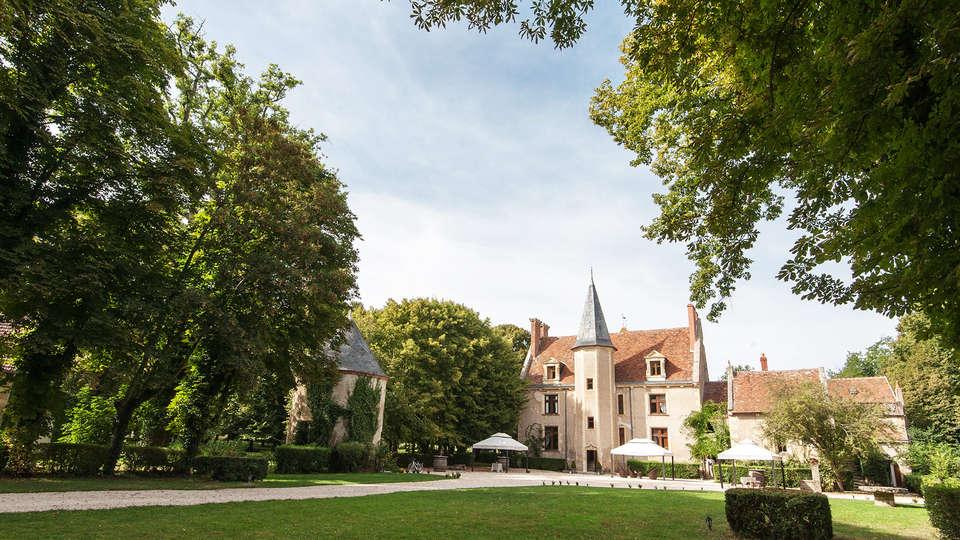 Château le Sallay - EDIT_front2.jpg