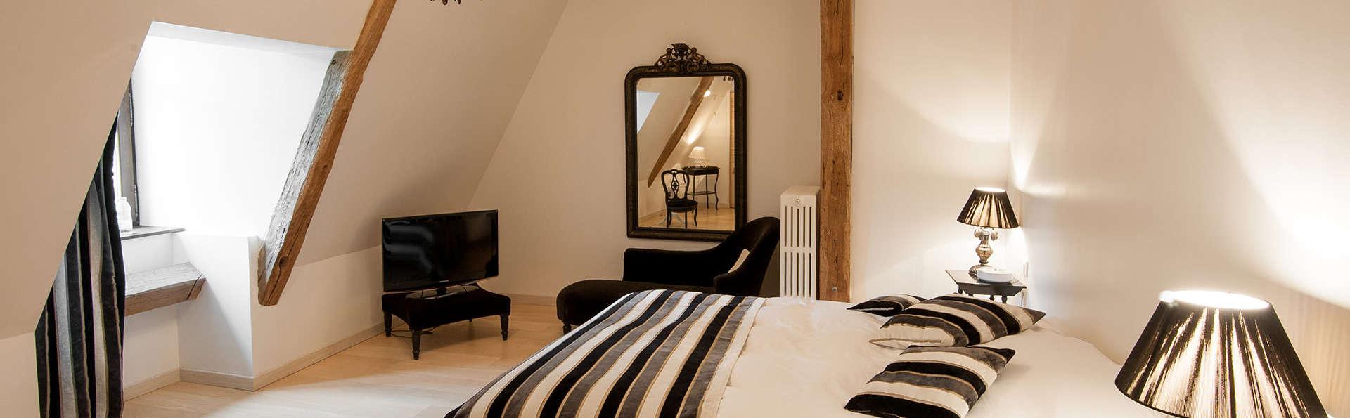 Château le Sallay - EDIT_room1.jpg
