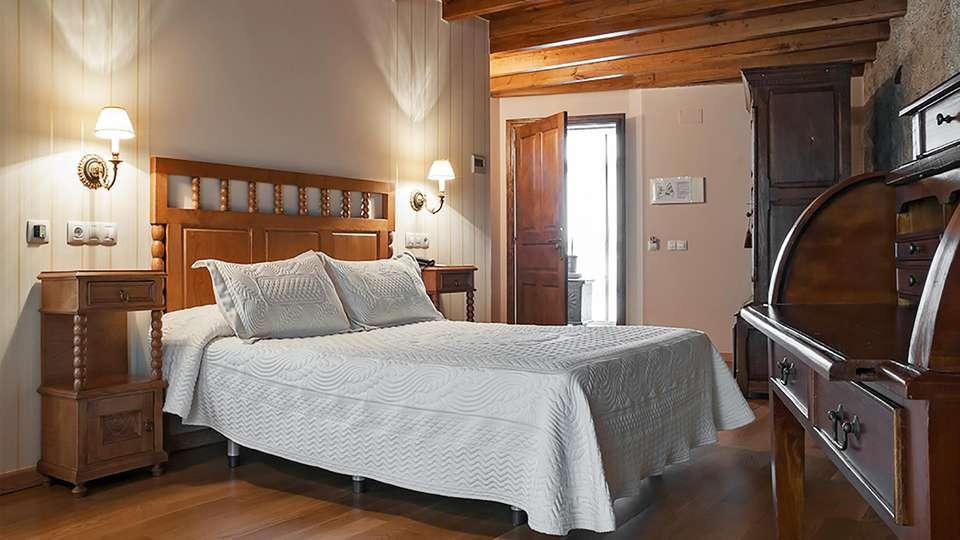 Hotel Vila Do Val - EDIT_room2.jpg