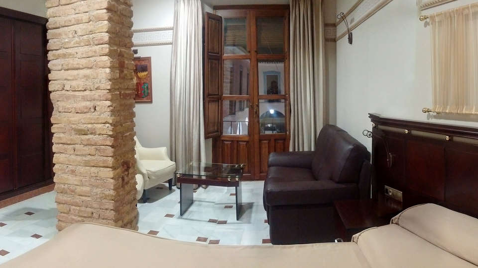 Hotel Don Miguel Plaza - Edit_NEW_Lounge.jpg