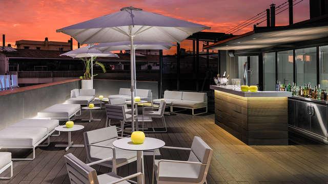 Cocktail su un'affascinante terrazza nel cuore di Barcellona