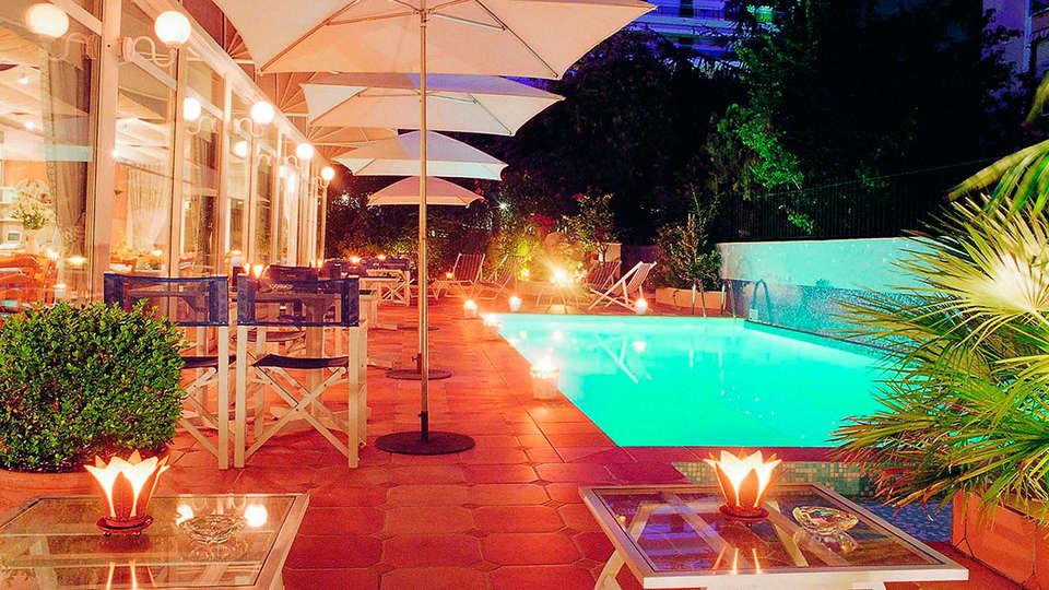 Hôtel Amarante Cannes  - EDIT_pool.jpg