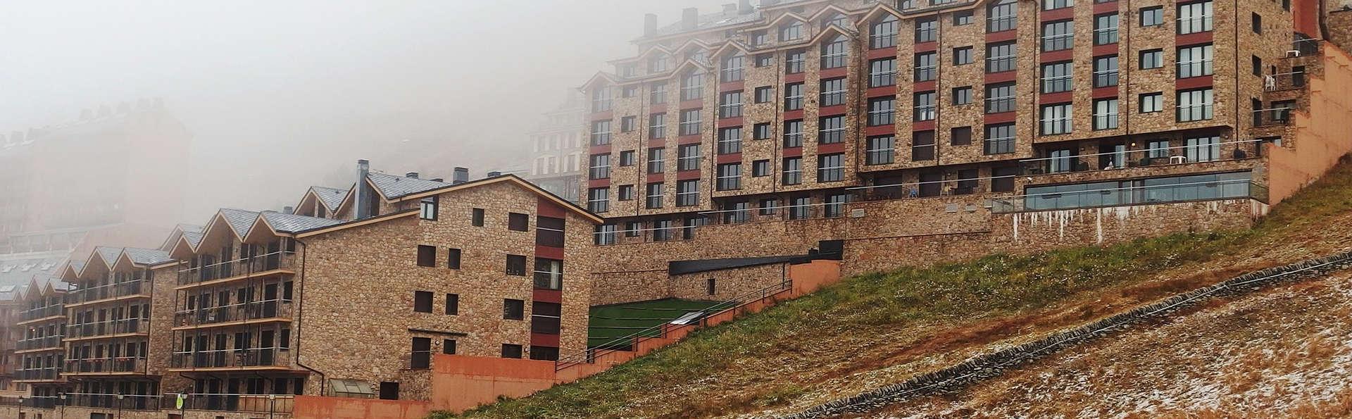 Pierre et Vacances Andorra Bordes d'Envalira - Edit_Front.jpg