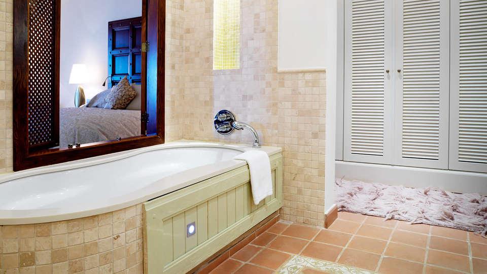Caleia Mar Menor Golf & Spa Resort  - EDIT_NEW_bath1.jpg