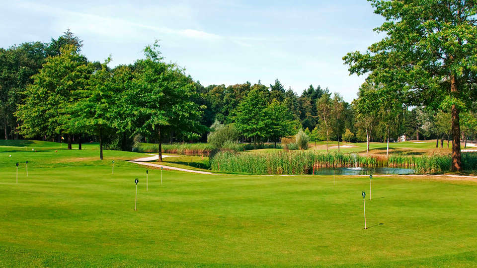 DoubleTree by Hilton Royal Parc Soestduinen - EDIT_golf.jpg