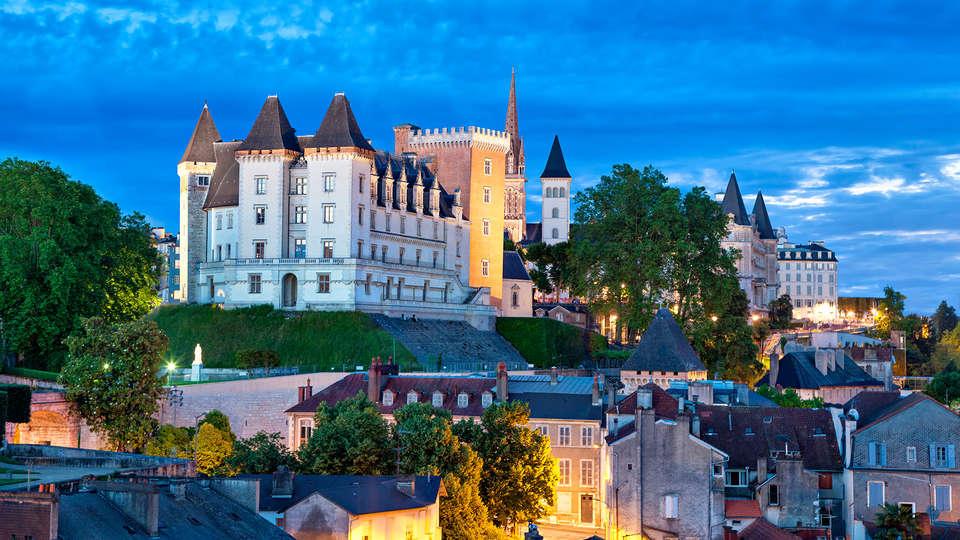 Hôtel Villa Navarre - EDIT_destination.jpg