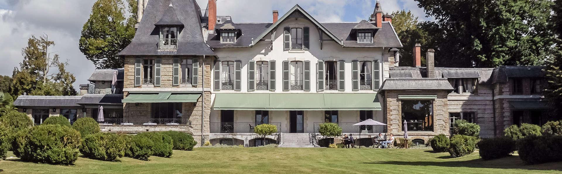 Hôtel Villa Navarre - EDIT_front.jpg
