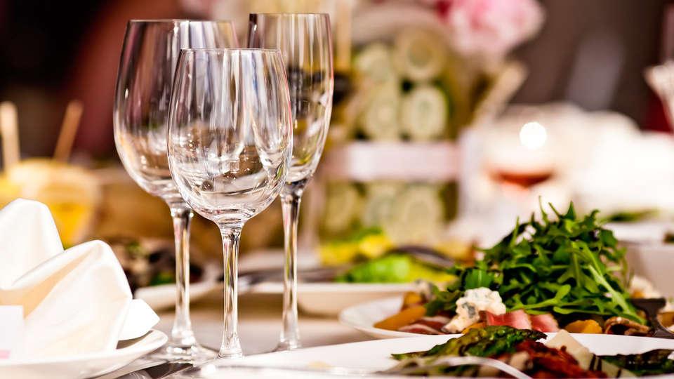 Hotel Balneario Parque de Alceda - EDIT_dinner.jpg