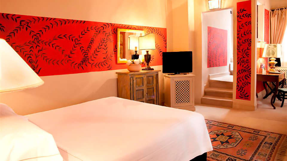 Hotel J And J - Edit_Room3.jpg