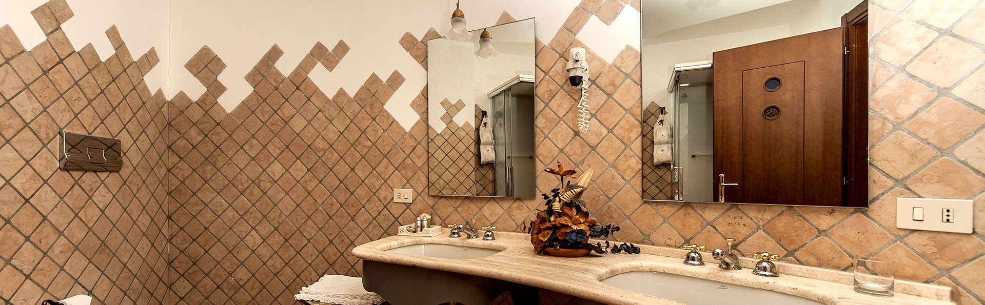 La Primula Hotel - Edit_Bathroom.jpg