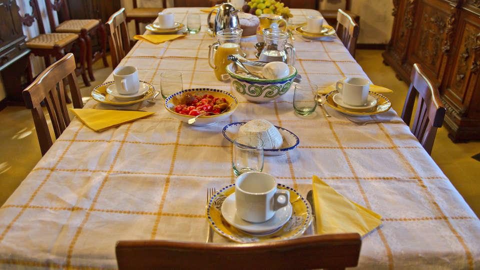 Borgo Riccio - Residenza d'Epoca  - Edit_breakfast.jpg