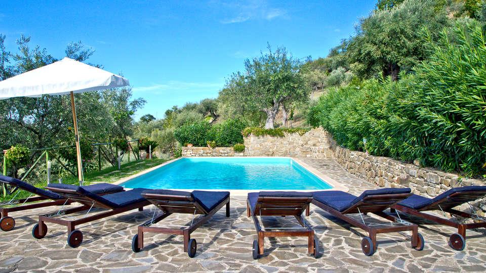Borgo Riccio - Residenza d'Epoca  - Edit_Pool.jpg
