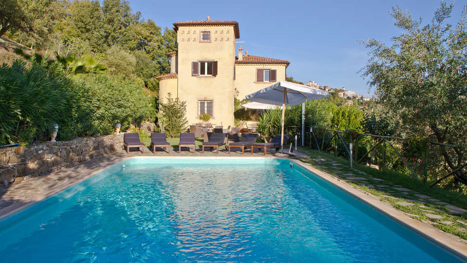 Borgo Riccio - Residenza d'Epoca  - Edit_Pool3.jpg
