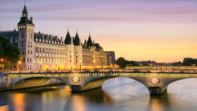 Descubre París con alojamiento cerca del Museo del Louvre