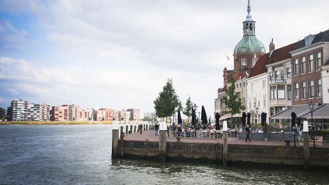 Visitez la charmante ville de Dordrecht en chambre deluxe