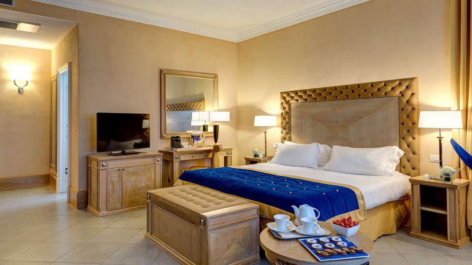 Villa Tolomei Hotel & Resort - edit_Villa-Tolomei-Junior-Suite-Room.jpg