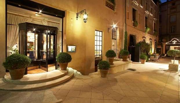 Grand Hotel de L Opera - entry