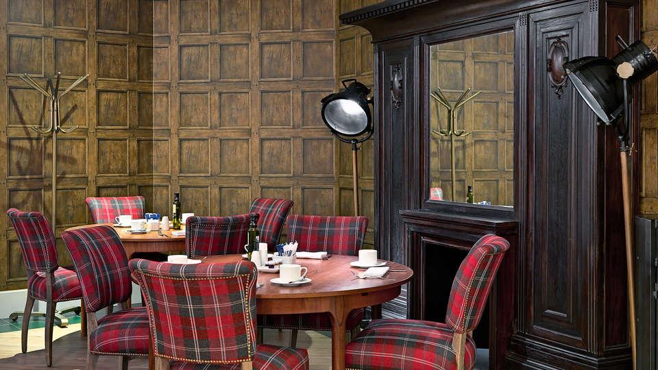 H10 Montcada Hotel  - EDIT_breakfast.jpg