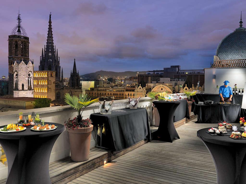 Séjour Barcelone - Escapade romantique avec du cava et des fraises au chocolat dans la chambre  - 4*