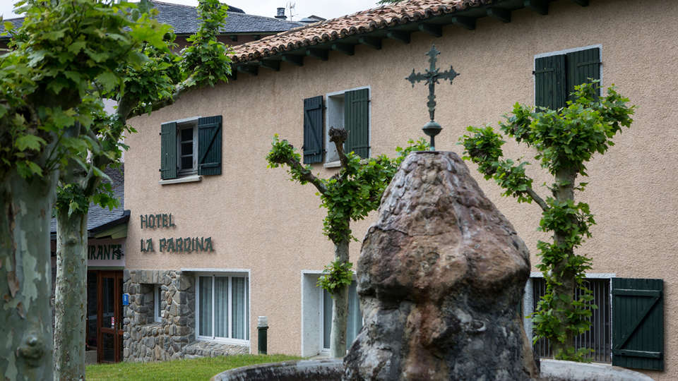 Hotel La Pardina (inactive) - edit_front29.jpg