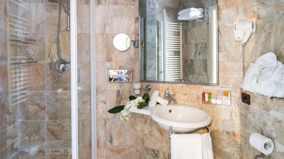 Hotel Adler Cavalieri - EDIT_bath.jpg