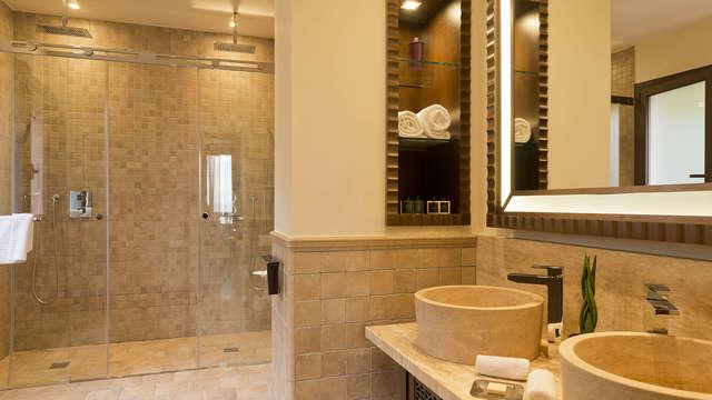 Tiara Miramar Beach Hotel Spa - bath