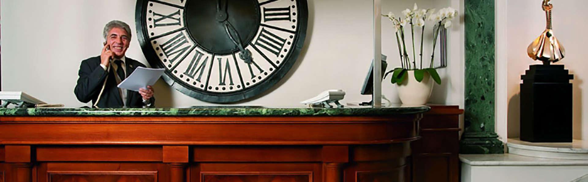 Hotel Mascagni - Edit_Reception.jpg