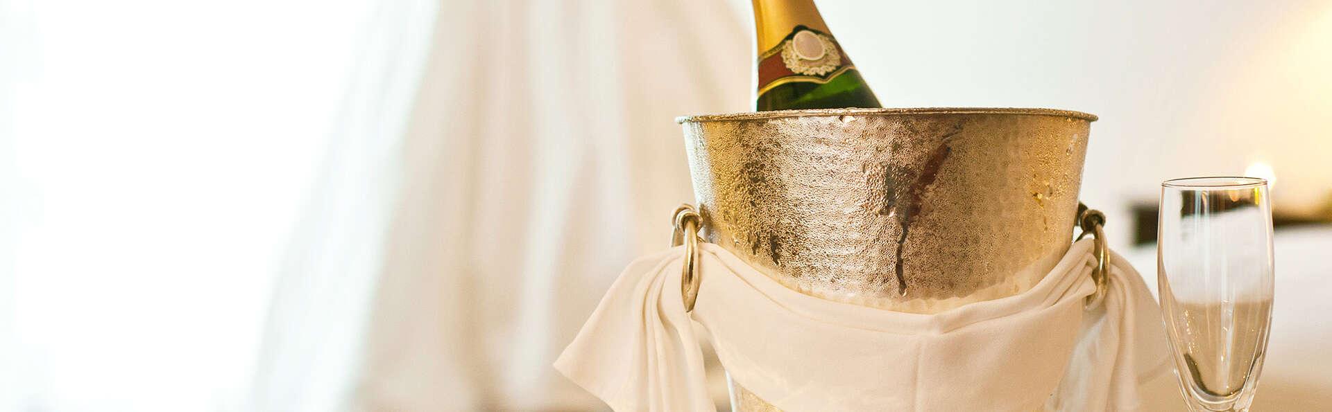 Escapade romantique avec dîner et demi-bouteille de champagne à Collioure