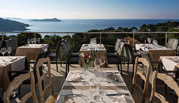 Dîner gastronomique et provençal face à la mer sur la Presqu'île de Giens