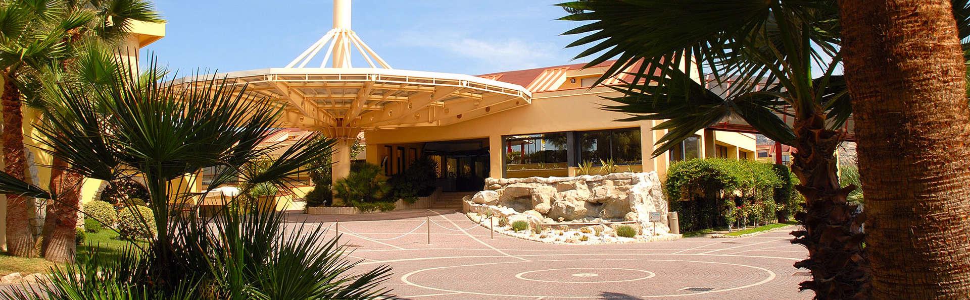 Hotel Village La Principessa - EDIT_fron.jpg