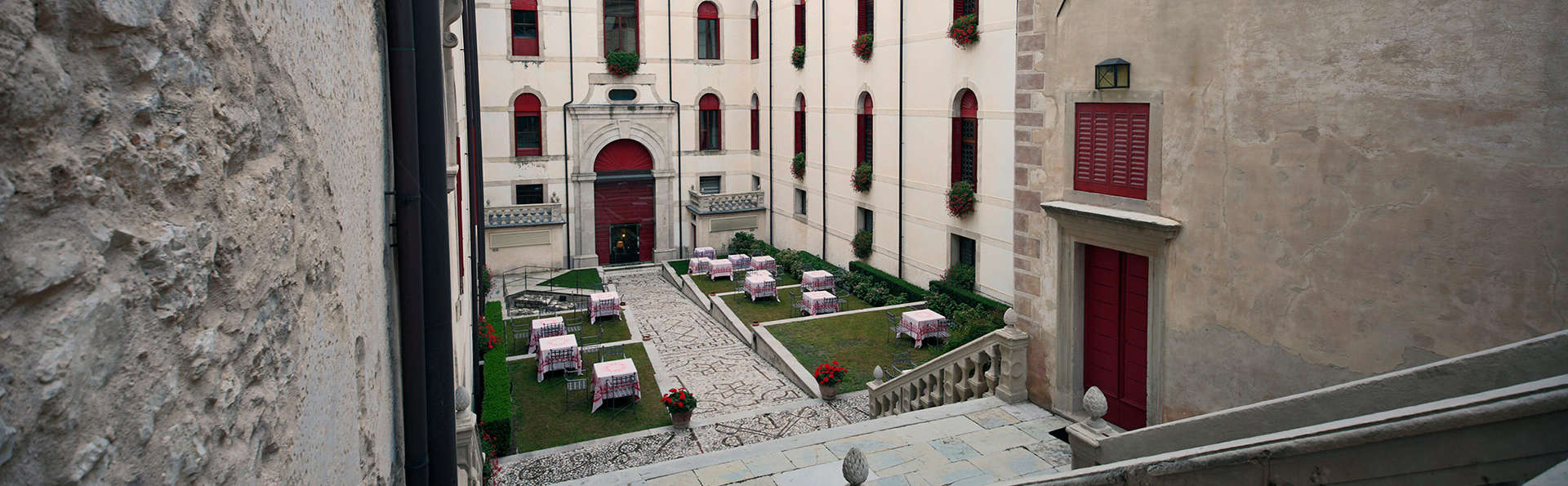 CastelBrando - EDIT_patio1.jpg