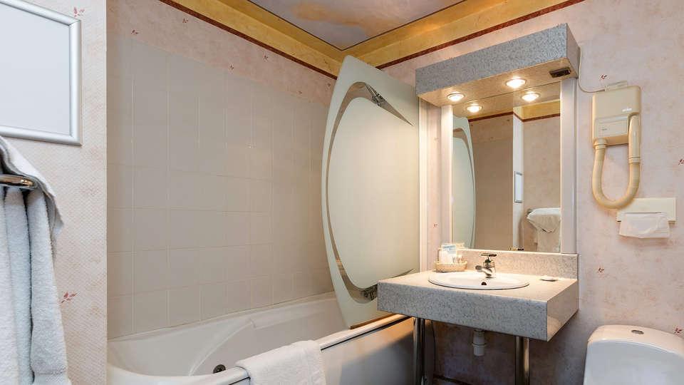Hôtel de Clisson Saint Brieuc - EDIT_bath1.jpg