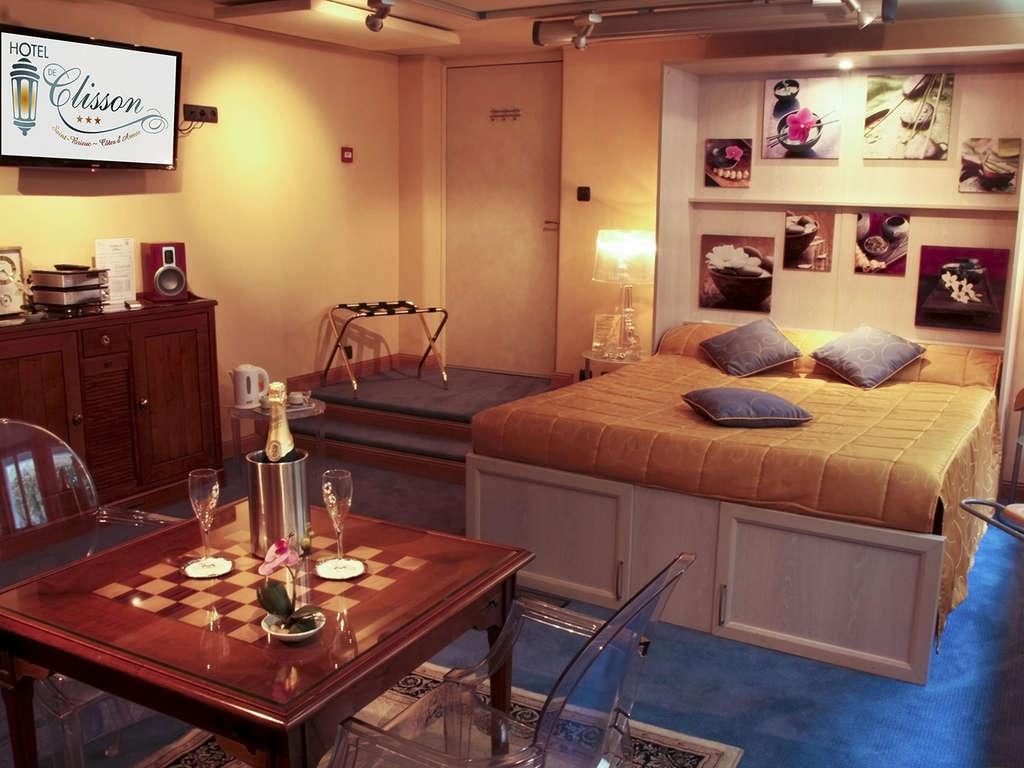 Séjour Côte d'Armor - Week-end romantique en chambre VIP à Saint-Brieuc  - 3*