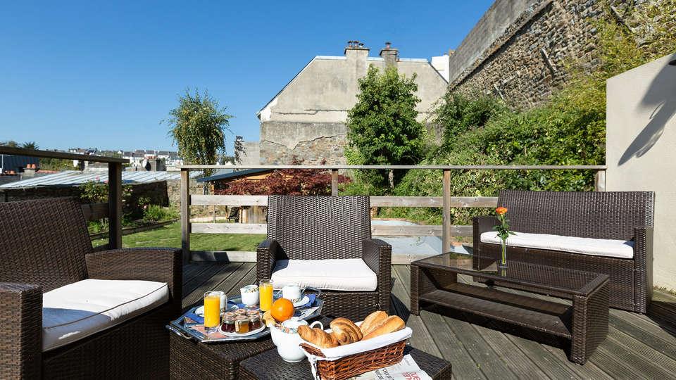 Hôtel de Clisson Saint Brieuc - EDIT_terrace.jpg