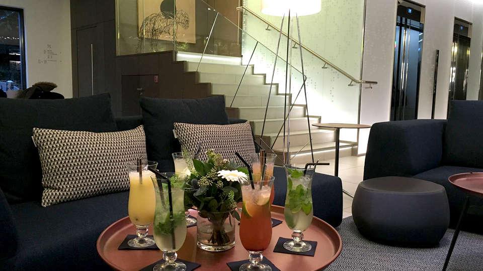 Le Saint-Antoine Hotel & Spa - Edit_Bar2.jpg