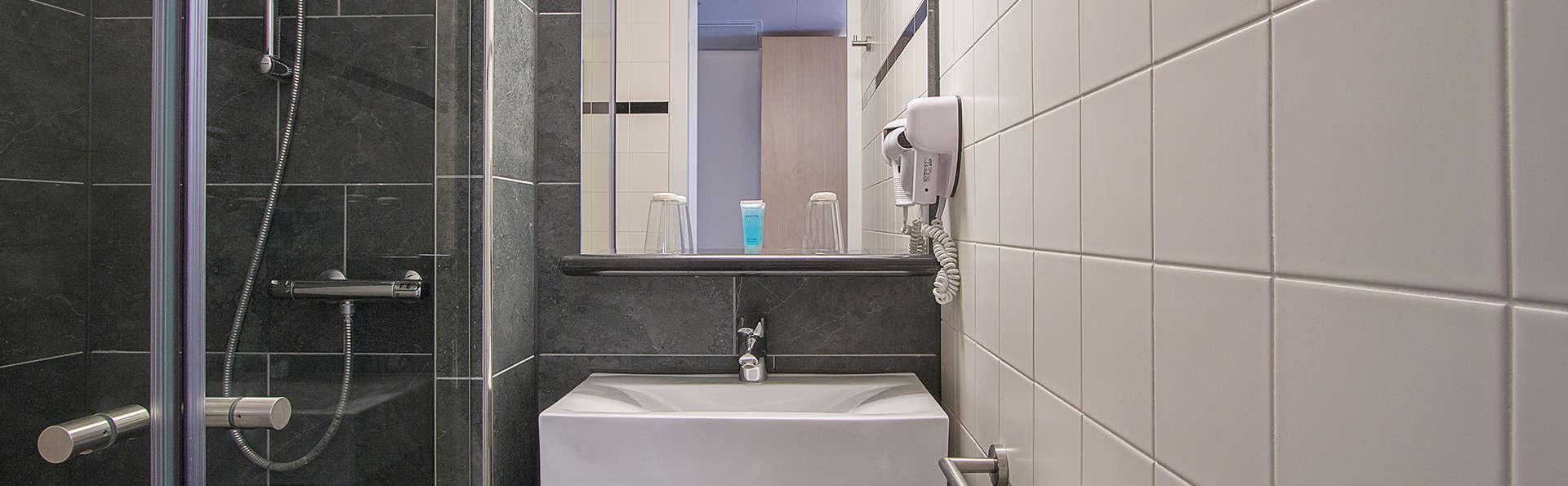 Bastion Hotel Schiphol Hoofddorp - edit_bathroom.jpg