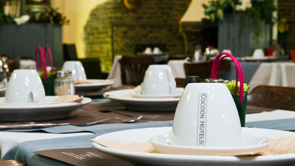 Cocoon Hotel Grenier des Grottes - EDIT_breakfast.jpg