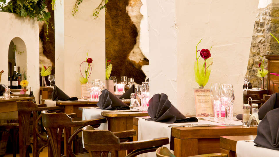 Cocoon Hotel Grenier des Grottes - EDIT_restaurant.jpg