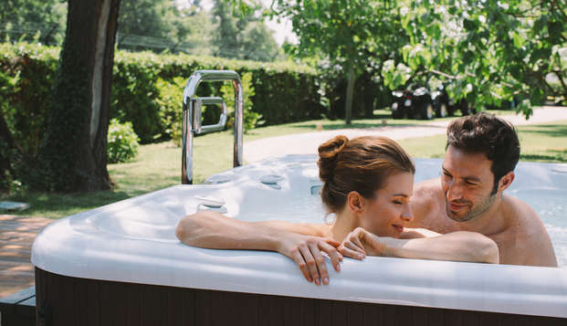 Déjate mimar en el norte de Italia: masaje para 2 y acceso al spa en Villa Abbondanzi