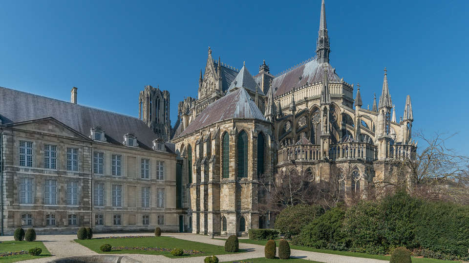 Appart'City Reims Centre - edit_palais_du_tau3.jpg