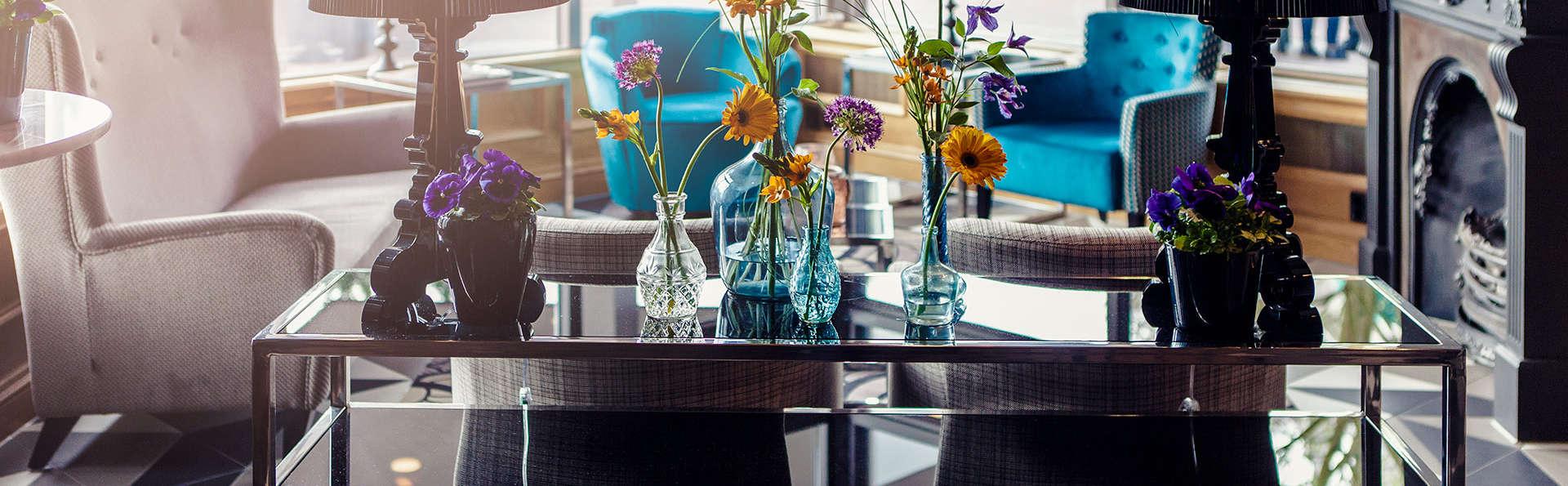 Carlton Square Hotel Haarlem - Edit_Lobby.jpg