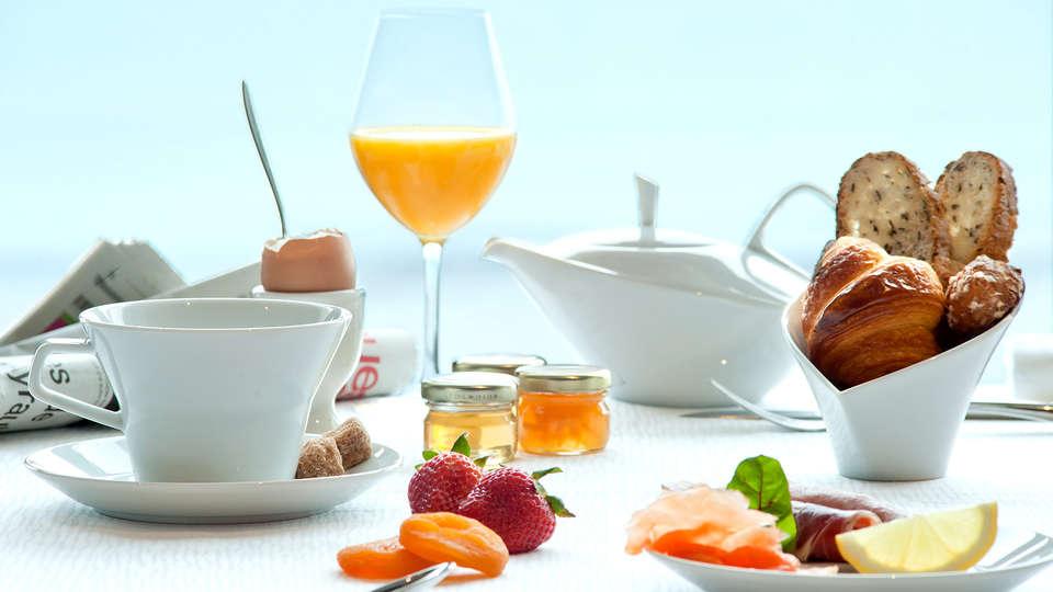 Hôtel et Spa le Nouveau Monde - Edit_breakfast.jpg
