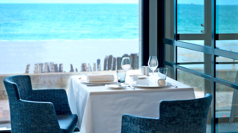 Hôtel et Spa le Nouveau Monde - Edit_Restaurant.jpg