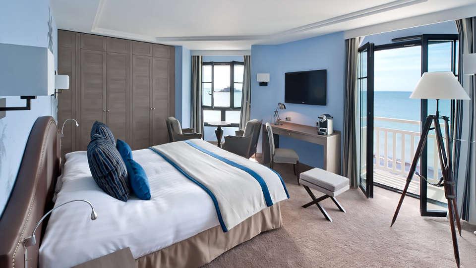 Hôtel et Spa le Nouveau Monde - Edit_Room3.jpg