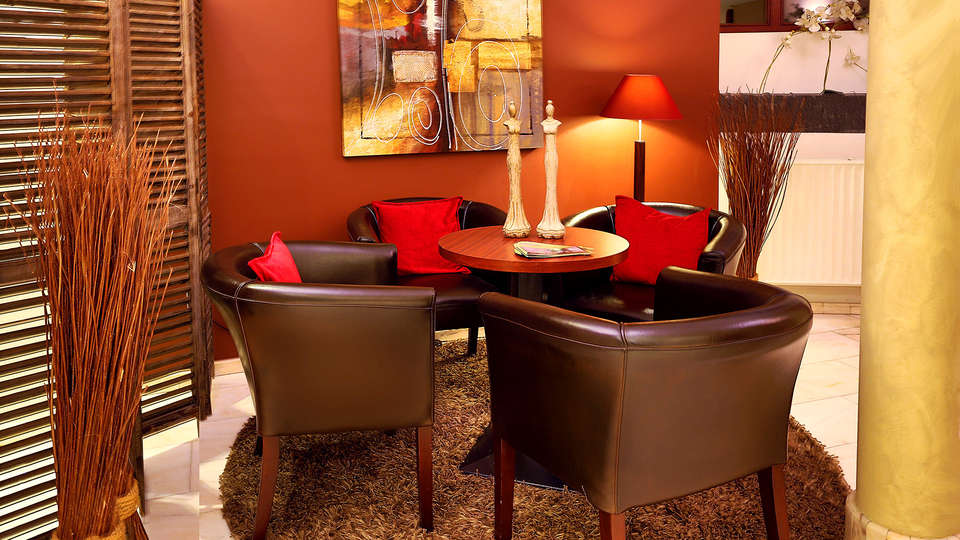 Quartier Latin Hotel - EDIT_NEW_LOUNGE.jpg