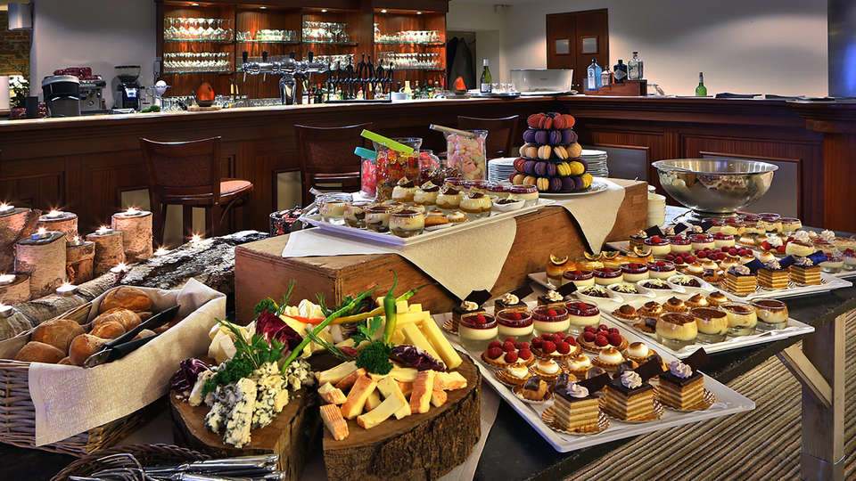 Quartier Latin Hotel - EDIT_NEW_BUFFET.jpg