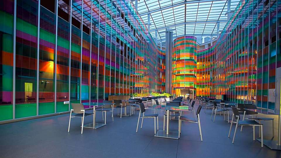 Zenit Jardines de Uleta Suites - edit_patio_cristal.jpg